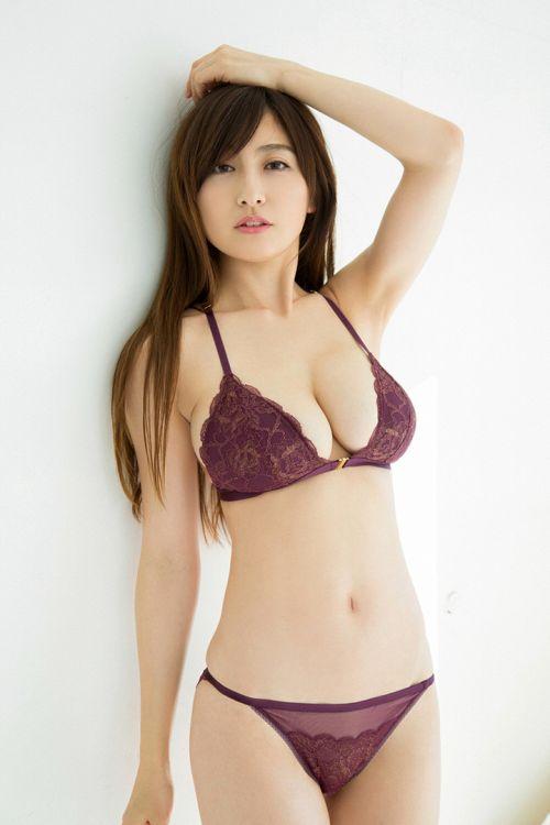 """""""史上最强美乳""""写真女神——熊田曜子"""